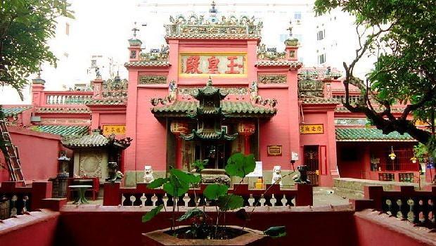 Emperor Jade Pagoda Chua Ngoc Hoang or Phuoc Hai Tu 620x35015db94e4315460 640x480 - HO CHI MINH CITY PRIVATE SHORE EXCURSIONS FROM HO CHI MINH CITY (PHU MY), VIETNAM