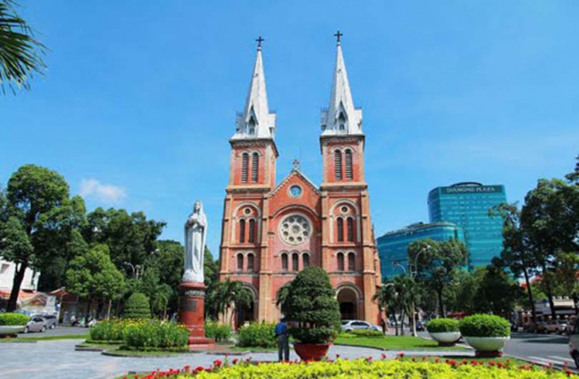 vietnam saigon notre dame cathedral15db94e43b758f 640x480 - VIETNAM HONEYMOON TOUR/ 14 DAYS