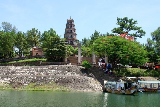 98 640x480 - VIETNAM TOUR PACKAGE (16 DAYS)