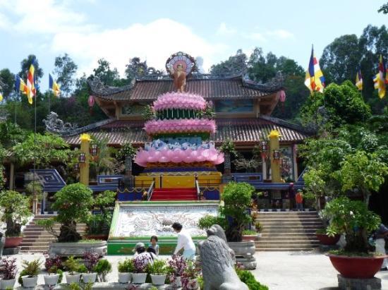 buddhist temple nha trang 640x480 - NHA TRANG SHORE EXCURSIONS