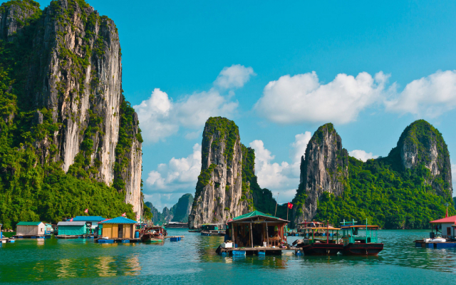new starlight travel 0125 ha long 7 1024x640 640x480 - VIETNAM TOUR PACKAGE (16 DAYS)