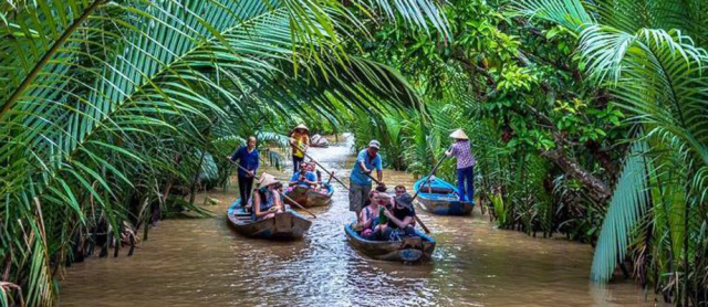 rowing sampan mekong river 640x480 - VIETNAM TOUR PACKAGE (16 DAYS)